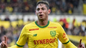 Football : L'attaquant du FC Nantes Emiliano Sala disparu en mer à bord d'un avion
